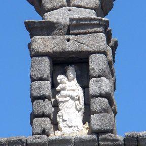 1200px-Segovia_-_Acueducto_23