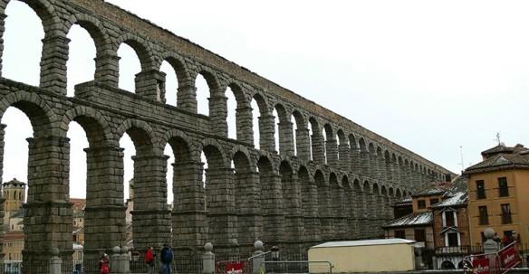 aquaduct-183494_1280