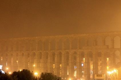 Niebla-Acueducto