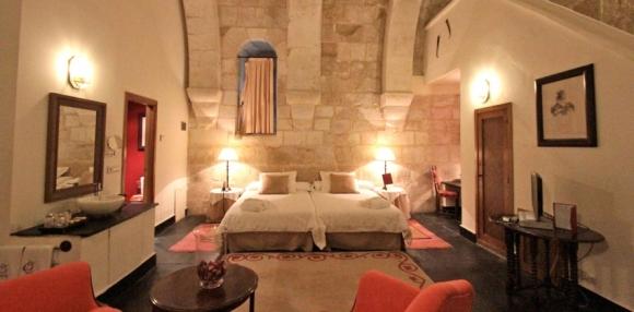 ruralka-salamanda-castillo-del-buen-amor-habitacion-1