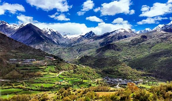 valle-de-tena-sallent-de-gallego-pirineos-sur