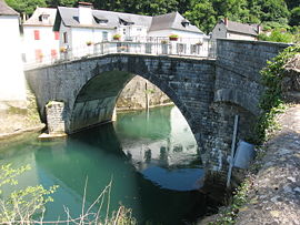 270px-Pont-Licq_03
