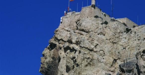 castillo-santabarbara1-750x390