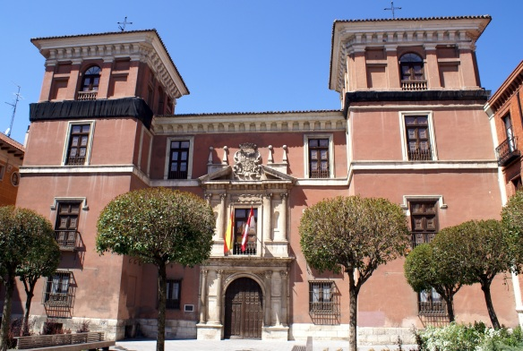 Vista_frontal_de_la_fachada_del_Palacio_de_Fabio_Nelli-Rastrojo