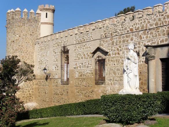 Toledo_-_Palacio_de_la_Cava_-_201102a