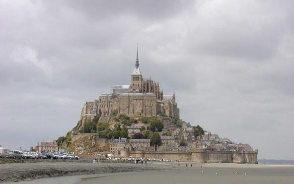 800px-200506_-_Mont_Saint-Michel_01-Foto-de-Semnoz-Wikimedia-Commons