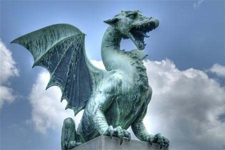 dragones-450x300