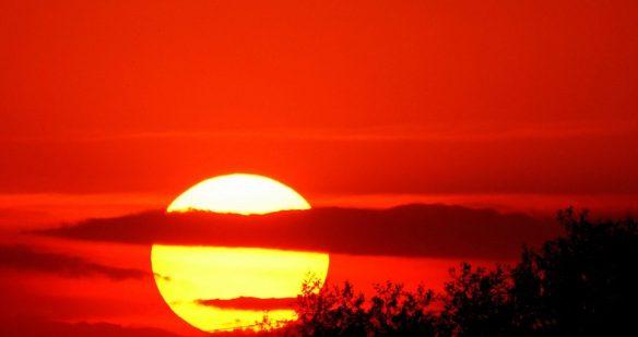 sunset-2810017_1280-1210x642