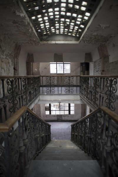 hotel-embrujado-posada-del-sol-escaleras-w636-h600