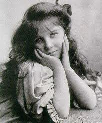 lady Elizabeth Bowes-Lyon-glamis