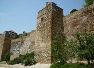 Alcazaba-de-Malaga-desde-el-exterior-300x225-1