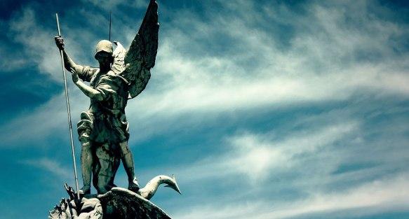 san-miguel-arcangel-y-el-diablito-destacada